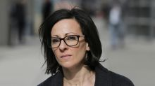 Testigo: Gurú de autoayuda abusó sexualmente de 3 hermanas