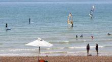 UK weather: Weekend highs of 29C but Met Office says heatwaves unlikely to last this summer