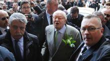 El líder histórico de la extrema derecha francesa Jean-Marie Le Pen, hospitalizado