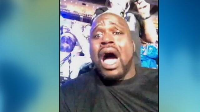 Shaq Lip-Syncs Halo During Beyonce's Super Bowl Half Time Show