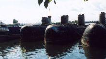 """""""Un Chernóbil en cámara lenta en el fondo del mar"""": la titánica tarea de reflotar submarinos soviéticos con material radioactivo del mar de Barents"""