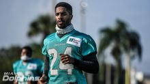 Dolphins cornerback Byron Jones is there to contribute as Pro Bowler Xavien Howard remains on IR