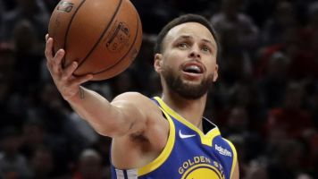Curry throws his hat in ring for 2020 Olympics
