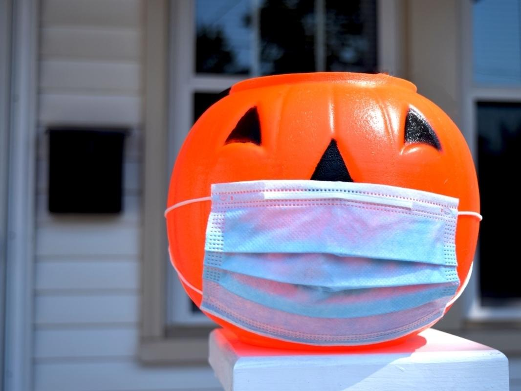 Health experts encourage some alternative celebrations this Halloween, amid ongoing concerns about coronavirus transmission in Washington.