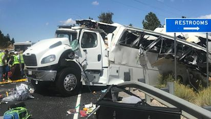 4 dead after bus carrying tourists crashes in Utah