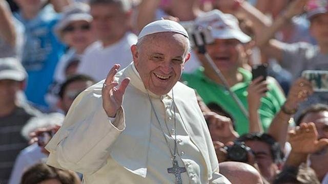 Pope Francis speeds up, simplifies process for marriage annulments