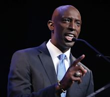 Democratic presidential candidate Wayne Messam appears to raise $5 over the last quarter