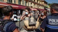 À Nice, masque obligatoire en extérieur et messages de prévention par les hauts-parleurs de la ville