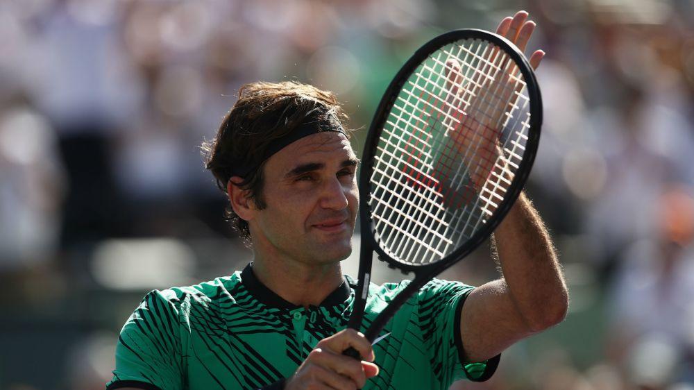 Federer's fine 2017 continues with easy Del Potro win