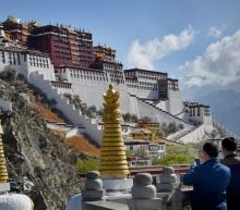 China 'coercing' thousands of Tibetans into mass labour camps - report