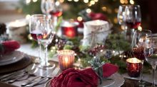 """Covid-19 : """"pour éviter les contaminations à Noël"""", deux prix Nobel prônent un confinement du 1er au 20 décembre"""