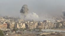Siria bombardea reductos del grupo EI en Damasco