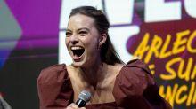 Margot Robbie mostra Arlequina agora heroína em continuação de 'Esquadrão Suicida'