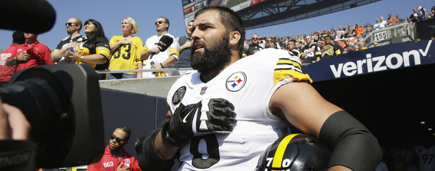 Steelers offensive tackle and former Army Ranger Alejandro Villanueva during the national anthem on Sept. 24. (Nam Y. Huh/AP)
