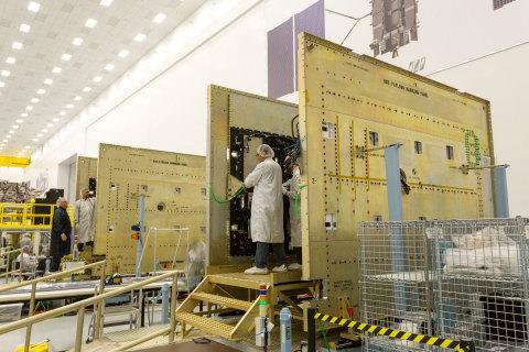 News post image: Harris Corporation Delivers Navigation Payload for U.S. Air Force's Seventh GPS III Satellite