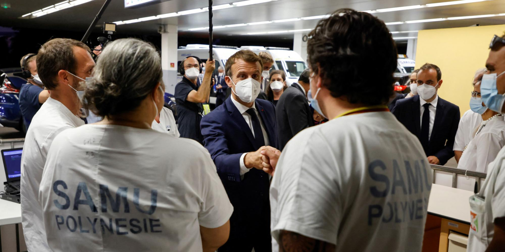 Macron lance sa visite en Polynésie par un appel à la vaccination