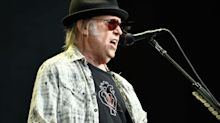 Rock Legend Neil Young Wants To Vote Against Trump, But Pot Use May Delay His Citizenship