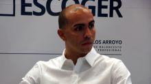 El exbasquetbolista puertorriqueño Carlos Arroyo promociona un tema junto a Farruko