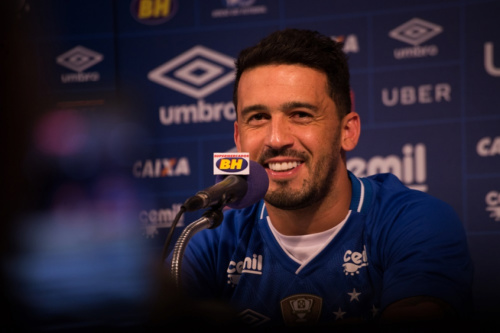 Edilson projeta títulos com a camisa do Cruzeiro