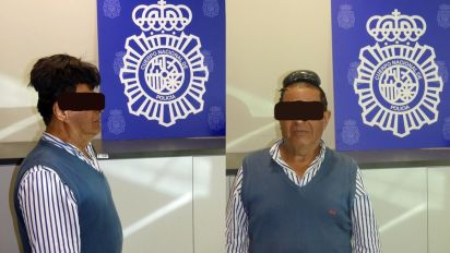 Man attempts to smuggle cocaine under toupee