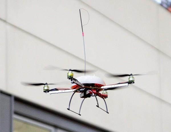 Researchers develop flying WiFi robots for disaster relief