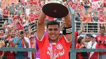 Botafogo fecha com Cesinha e busca liberação com o Internacional