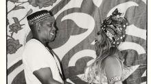Grávida de 8 meses de gêmeos, Beyoncé faz chá de bebê africano