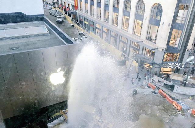 San Francisco's One Stockton Street Apple Store gets a temporary fountain