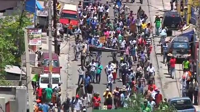 Thousands march against Haiti's Martelly in Port-au-Prince