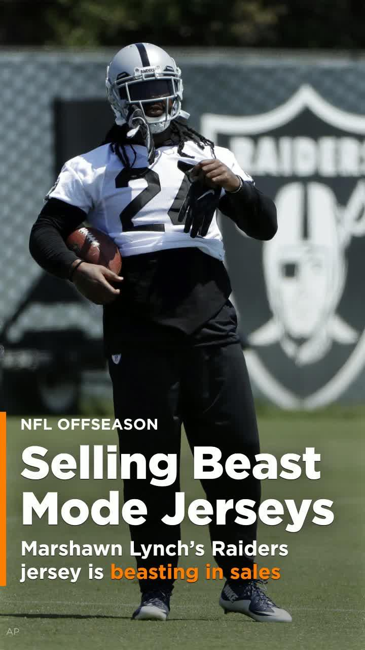 detailed look 755ea 6a100 Marshawn Lynch's Raiders jersey is beasting in sales ... everywhere