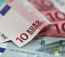 EUR/USD Price Forecast – Euro Choppy Back and Forth