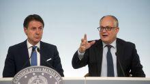 Coronavirus, D'Incà: prevediamo aumentare i 600 euro per autonomi