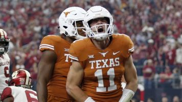Can Texas halt Oklahoma's conference title streak?