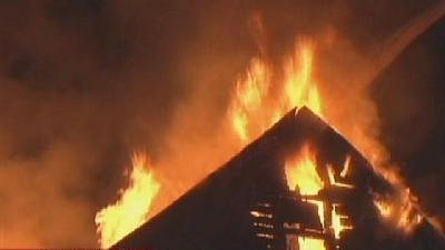 Fire Threatens Occupied Homes In New Castle