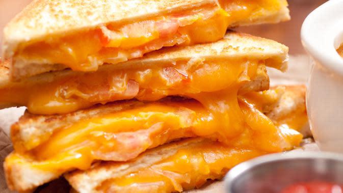 Resep Sandwich Keju Meleleh Lembut di Mulut