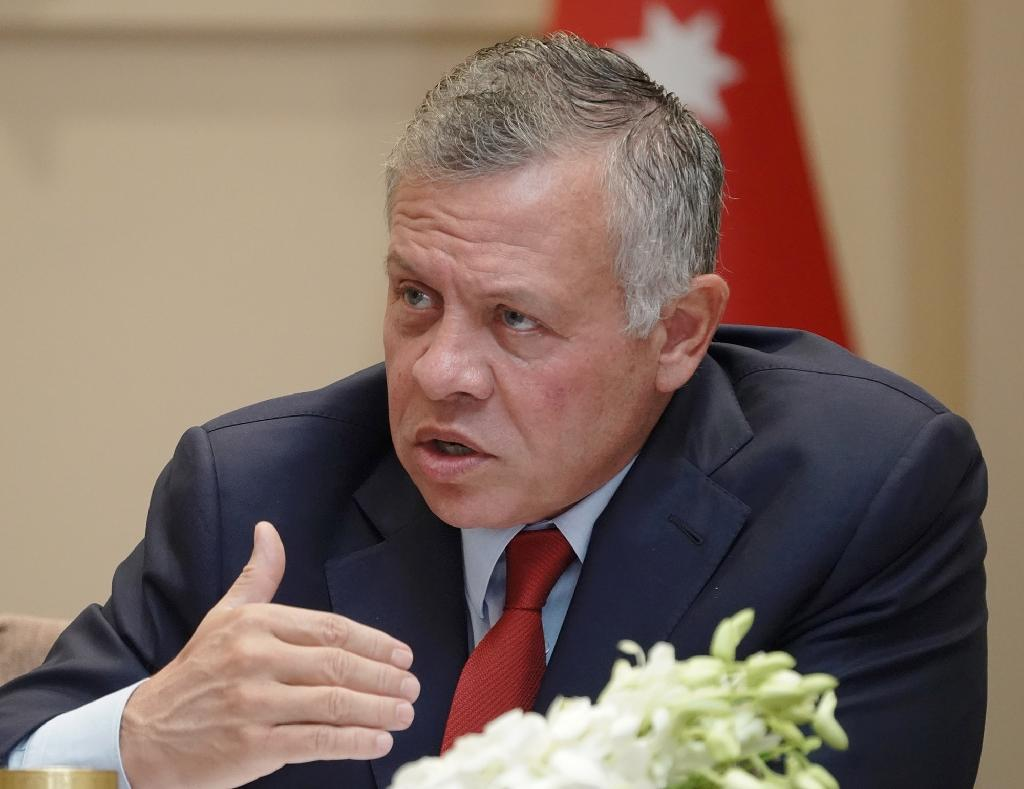 Jordan's King Abdullah II addresses political figures in the capital Amman (AFP Photo/Yousef ALLAN)