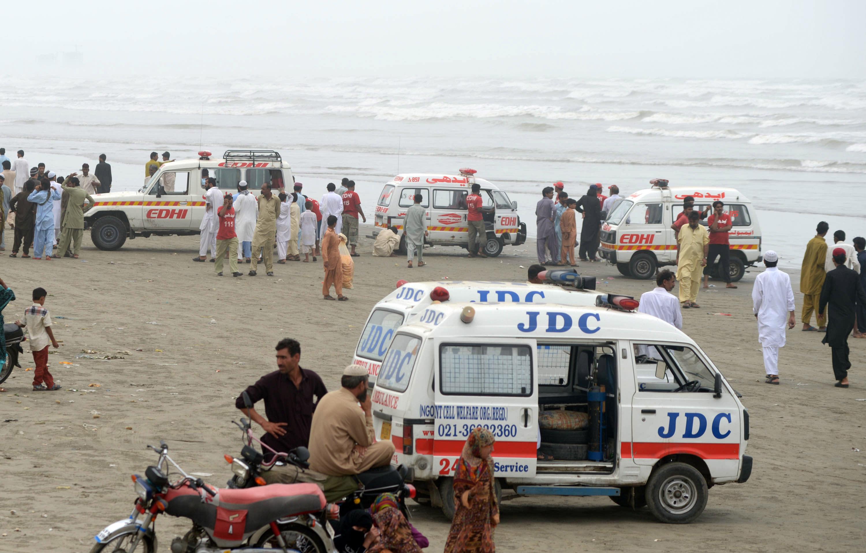 21 bathers drown in rough seas off Pakistan's Karachi