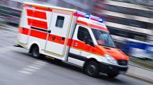 Verdacht auf illegales Autorennen: Zwei Schwerverletzte