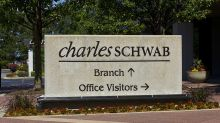 Charles Schwab Beats Ahead Of Top-Rated E-Trade, Interactive Brokers