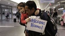 Cambodian refugee deported 2 years ago returns to US