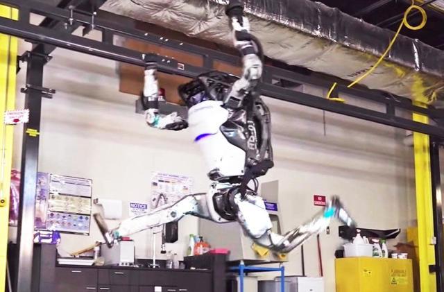 Boston Dynamics' Atlas robot is now a gymnast