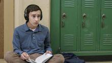 Nova série da Netflix irá investigar vida amorosa de personagem autista. Veja o trailer