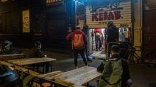 La vente à emporter interdite après 22 heures à Paris : les livreurs sont désabusés