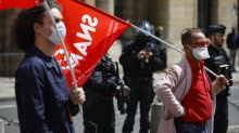 Une manifestation de professionnels du spectacle dispersée par la police à Paris