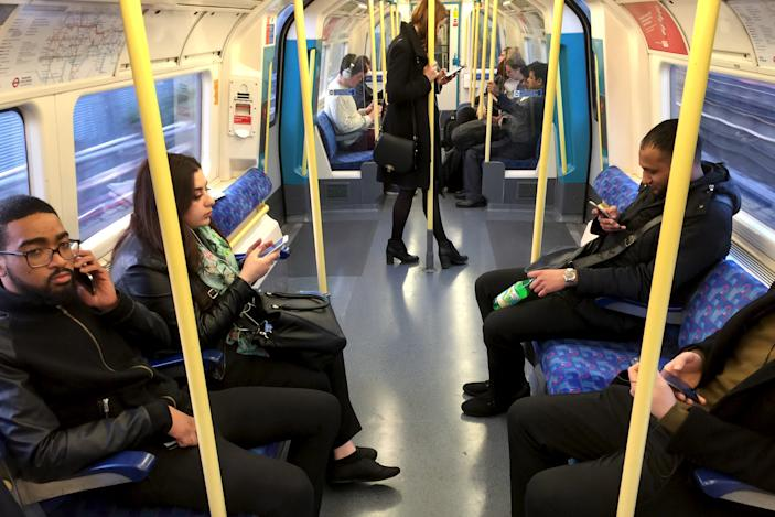 London's Tube will offer full mobile coverage by the end of 2024