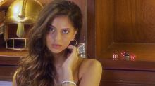Suhana Khan's Gold Dewy Look Is Make-up Done Right On Dusky Skin