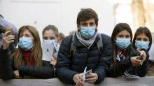 Coronavírus: Por que o distanciamento social também é importante para os jovens saudáveis