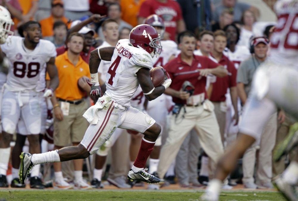 Alabama defensive back Eddie Jackson returns a punt for a 79-yard touchdown against Tennessee. (AP)