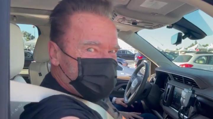 Schwarzenegger gets COVID-19 vaccination