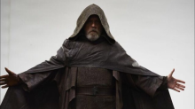 Lucasfilm is pushing crazy fan theory that Luke will go to the dark side